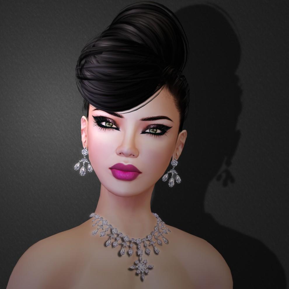 Feel Diamond Royal Queen Necklace Set
