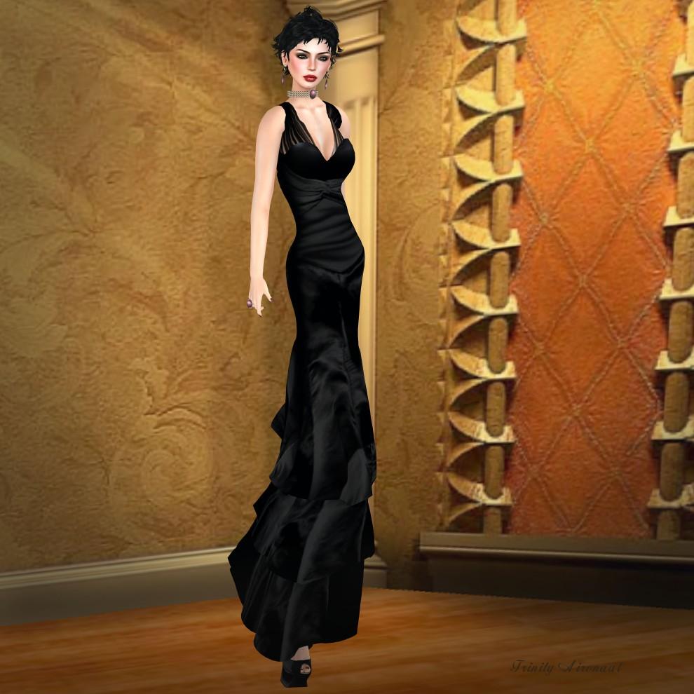 Lybra Raven Gown Pic 1